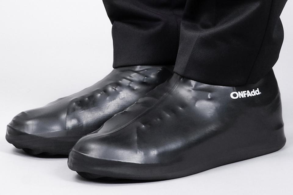"""梅雨のシーズンに最適。ONFAddが""""Rain Socks""""を発売"""
