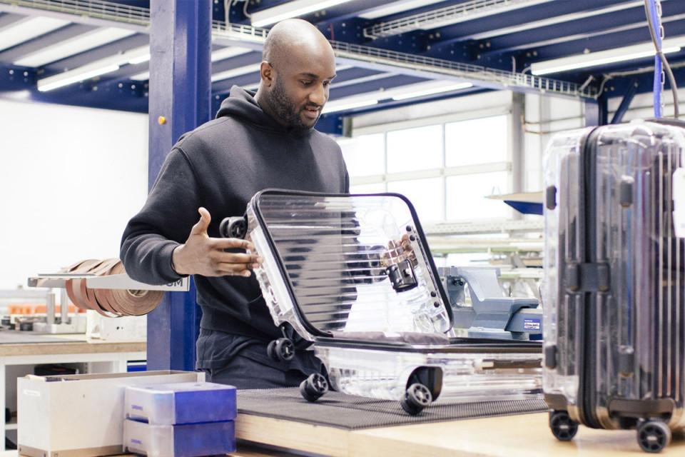 オフ-ホワイト x リモワが透明のコラボスーツケースを発表