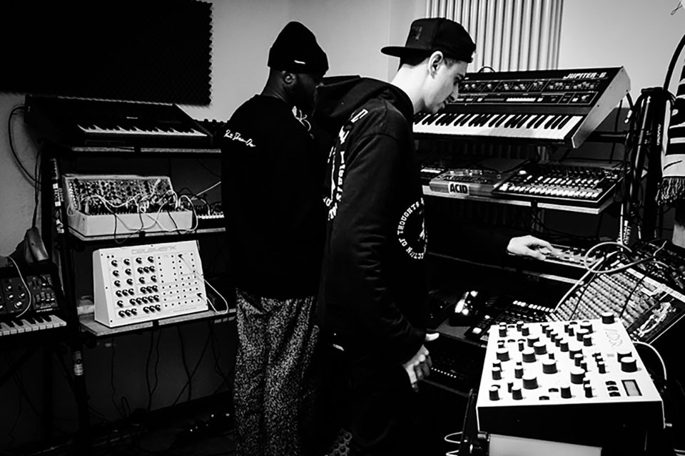ヴァージル・アブローとボーイズ・ノイズがミニアルバム『ORVNGE』をリリース