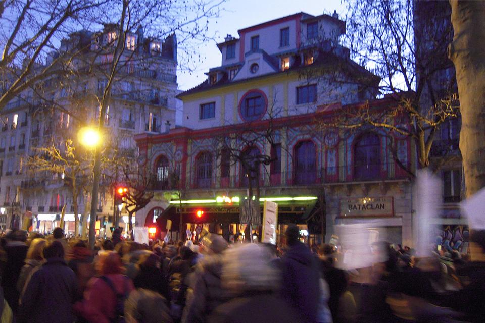 パリの街から突如消えた<br>バンクシー作品
