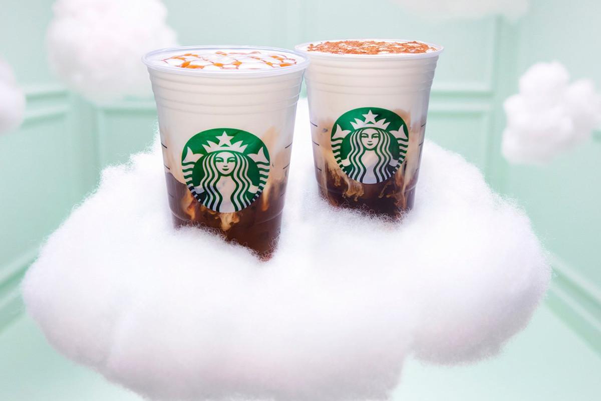 アリアナ・グランデとStarbucks<br>コラボドリンクを発表