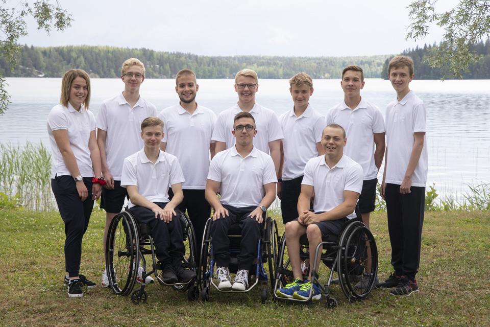 スウェーデン五輪パラ選手団<br>「Uniqlo」着用し表彰台へ