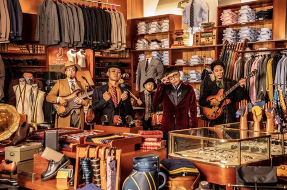 韻シスト、15周年「バーニーズ ニューヨーク」本店でMV撮影
