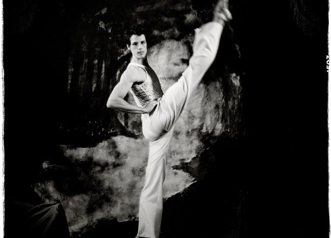 写真集「THE DIOR SESSIONS」、ニコライ・フォン・ビスマルクとタッグ
