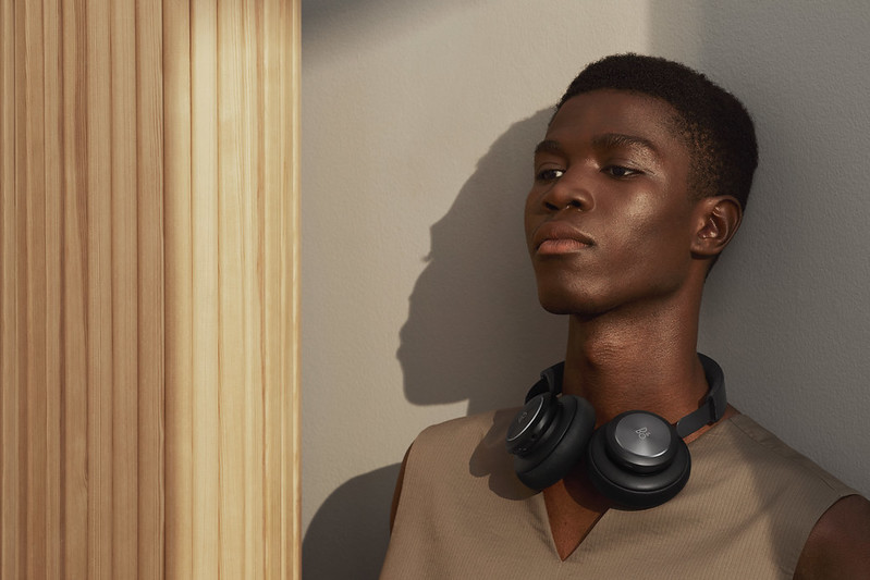 Bang&Olufsen、新型ワイヤレスヘッドフォン「Beoplay H4」