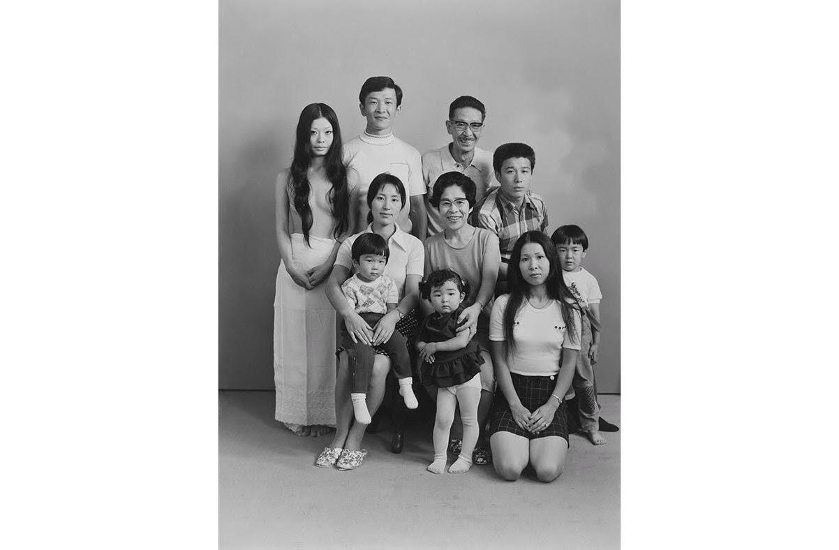深瀬昌久写真集「家族」ヴィンテージプリントを展示 新装版刊行で