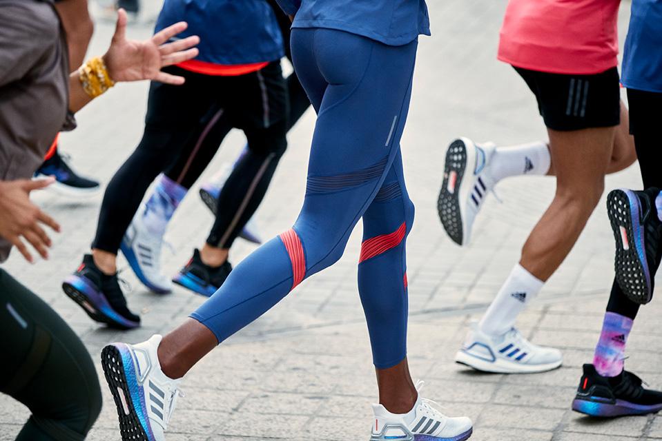 adidas Running、宇宙に着想を得たシューズ発売