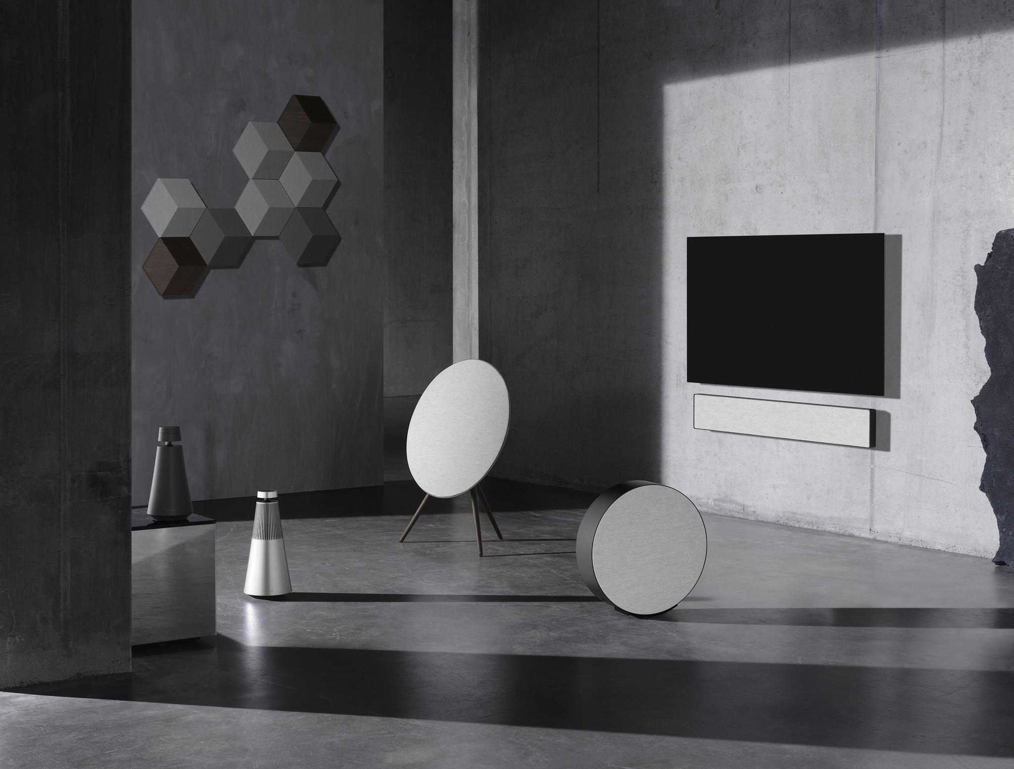 Bang & Olufsen×Norm Architects、触感・質感重視のコラボコレクション発売