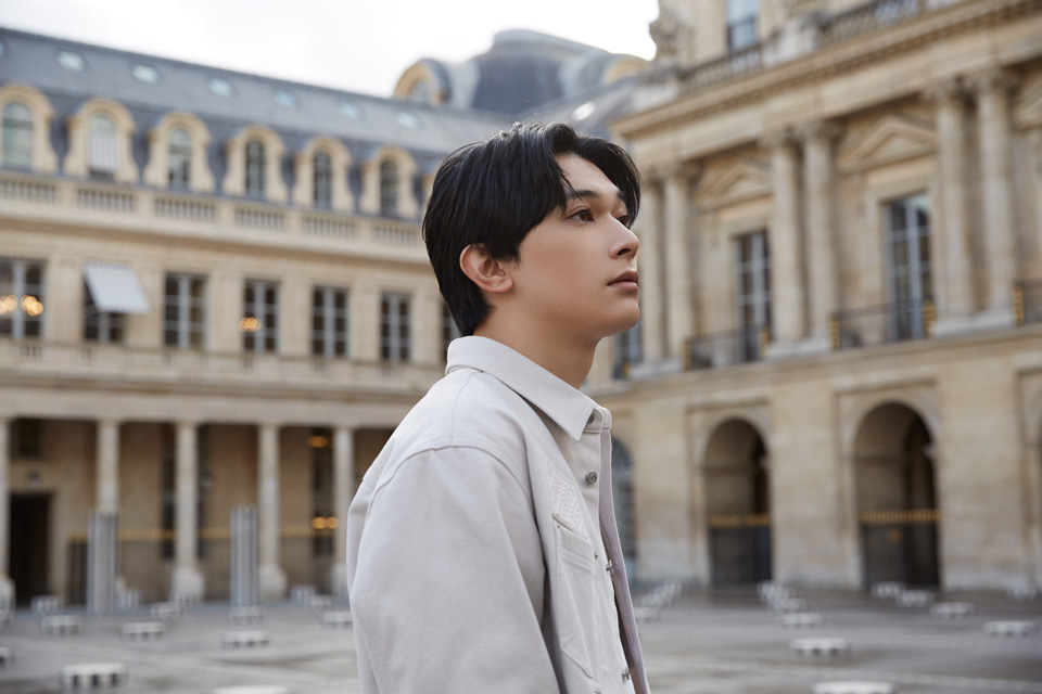 吉沢亮がパリで見た景色。スペシャルムービーを公開