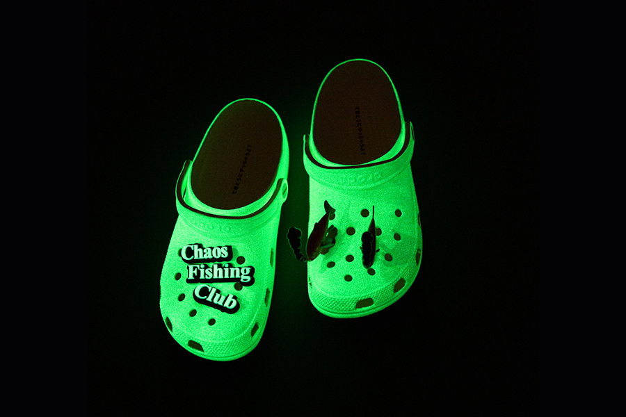 BEAMS T、Crocs × Chaos Fishing Clubコラボアイテム発売