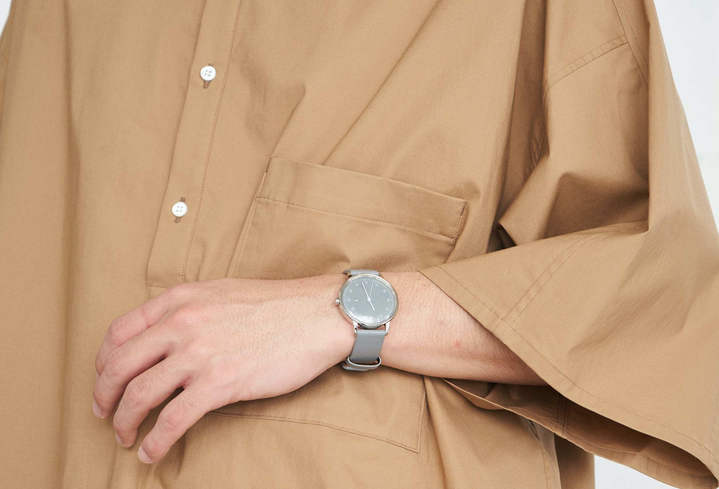 Graphpaper、時計ブランドsazareとの新定番アイテム発売
