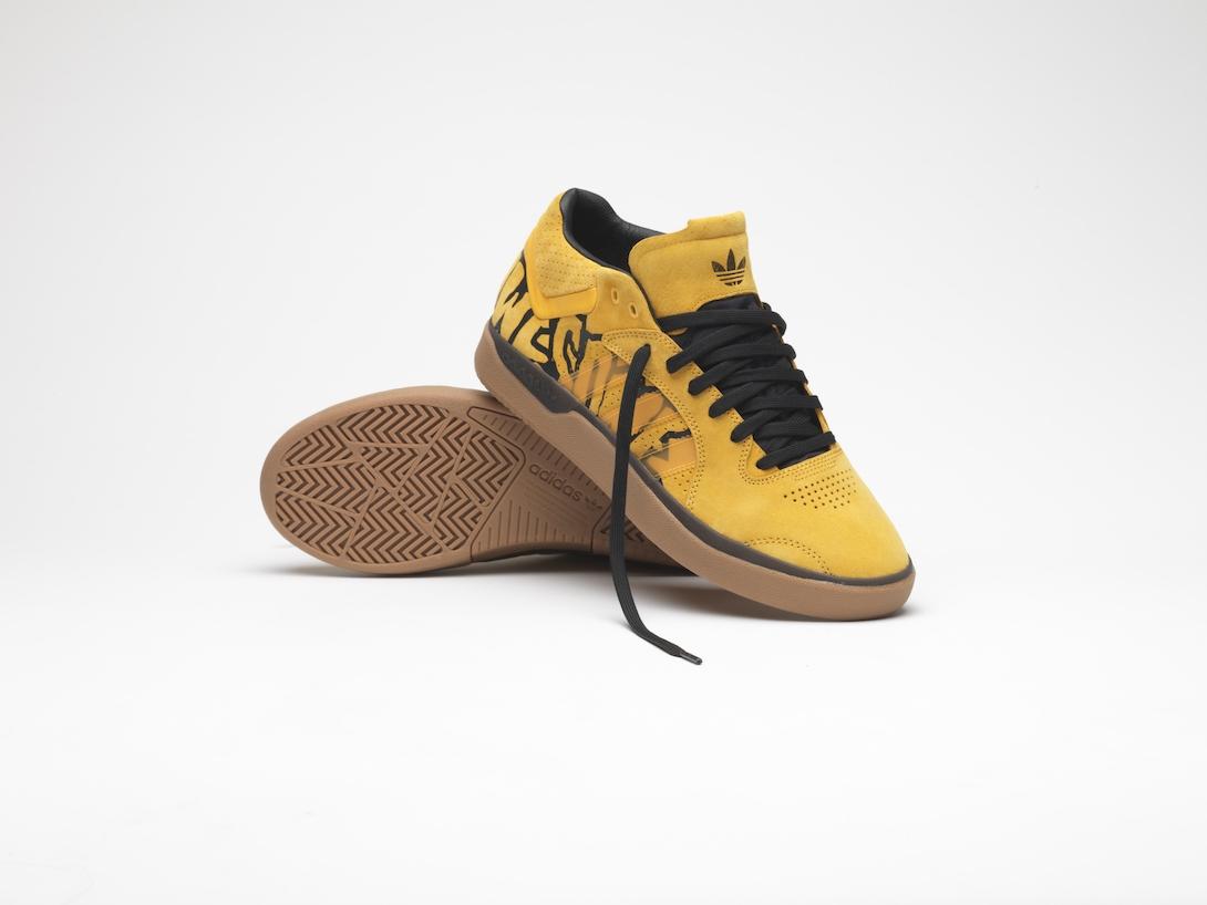 タイショーン・ジョーンズ、adidas SkateboardingとFUCKING AWESOMEのコラボシューズ発売