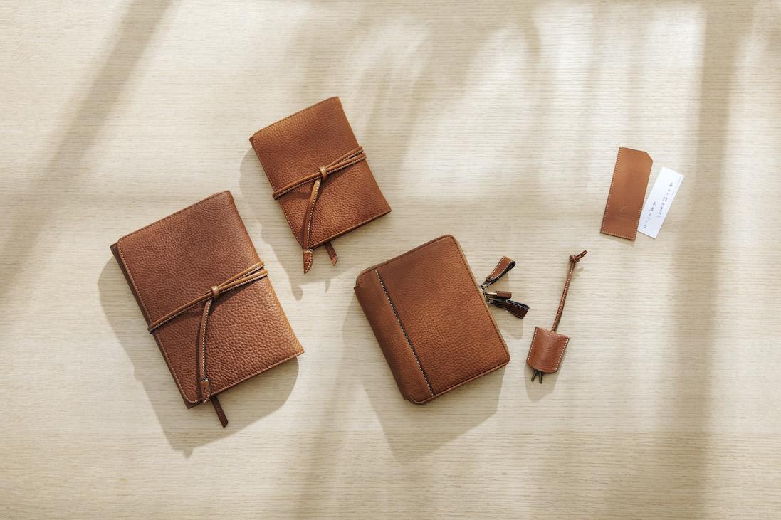 ほぼ日手帳2021 経年変化楽しむ土屋鞄製造所とのコラボアイテム発売