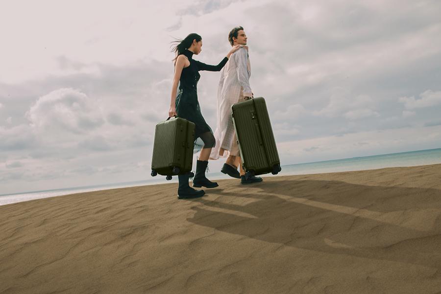RIMOWA、シリーズ「ESSENTIAL」新色を発売 米モハーヴェ砂漠がテーマ