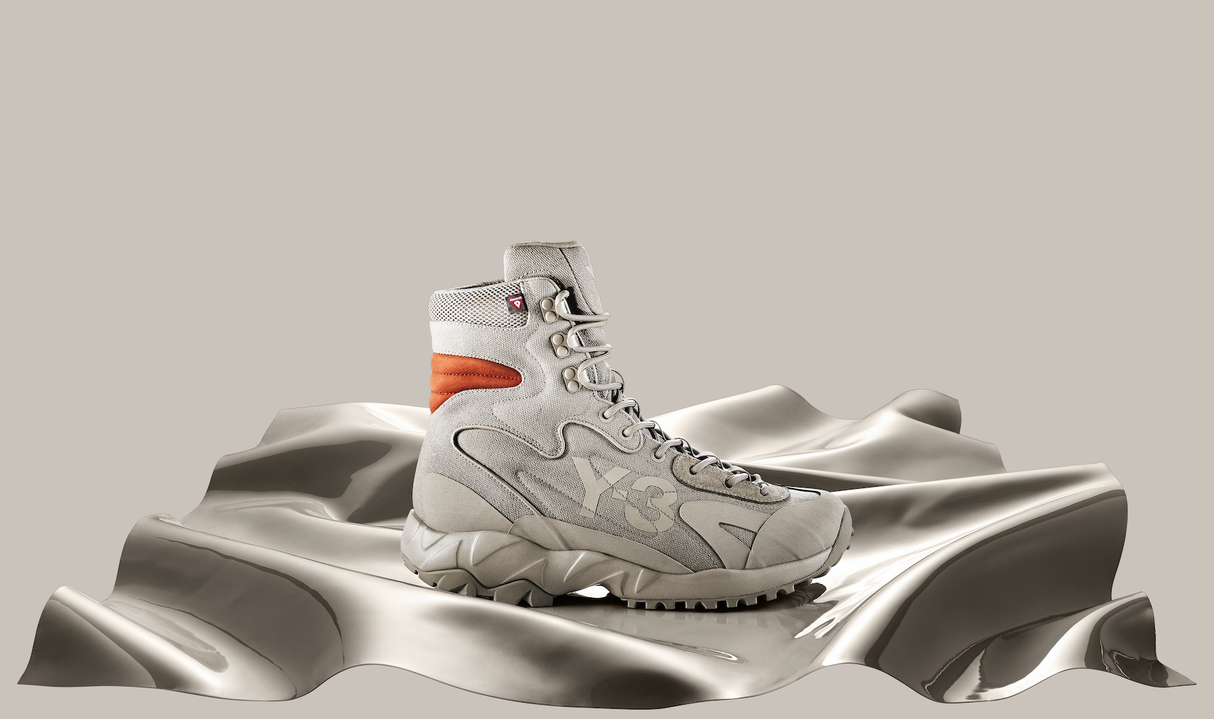 Y-3、2020年秋冬コレクションで全天候対応型の新作ブーツ発売