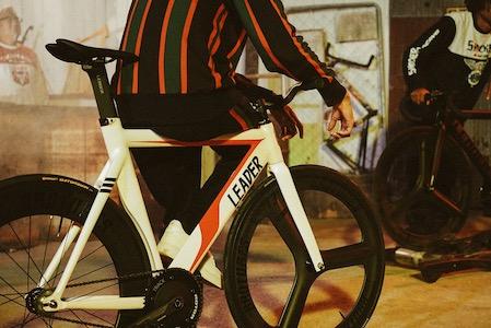 「LEADER®」のピストバイクがサイクロン号に 仮面ライダーとコラボアイテム発売