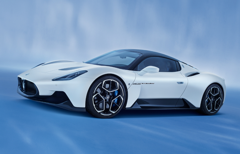 Maserati 新型車に高品質マテリアルAlcantara採用