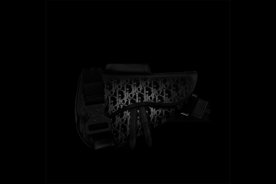 DIOR、リフレクティブな新素材を2021年スプリングコレクションで発表