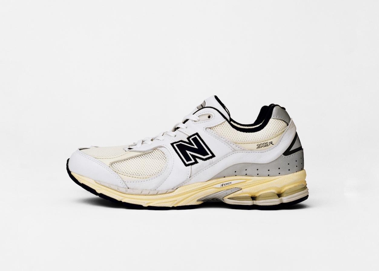 90年代カラー採用 New Balance×韓国ストリートのコラボシューズ発売