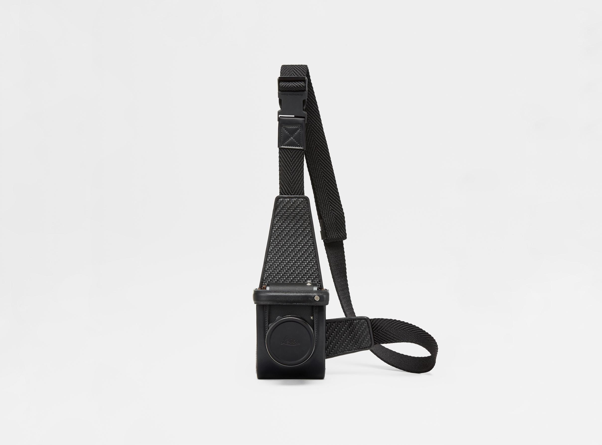 Ermenegildo Zegnaの独自生地採用 Leicaとラグジュアリーなカメラアクセサリー発売