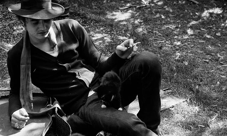 エディ・スリマン写真展「サン オブ サウンド」開催 ミュージシャンのポートレートなど