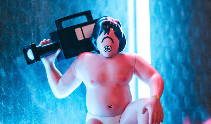 Netflix「全裸監督」がフィギュアに 全世界624体限定で発売