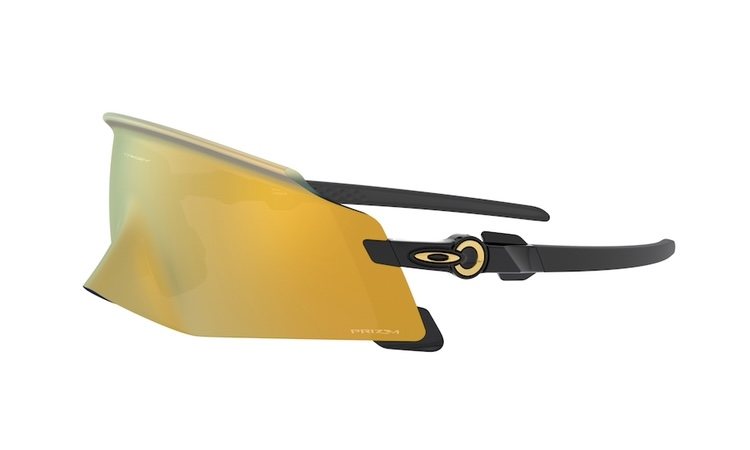 Oakley® アスリートの限界を押し上げる新作モデル発売