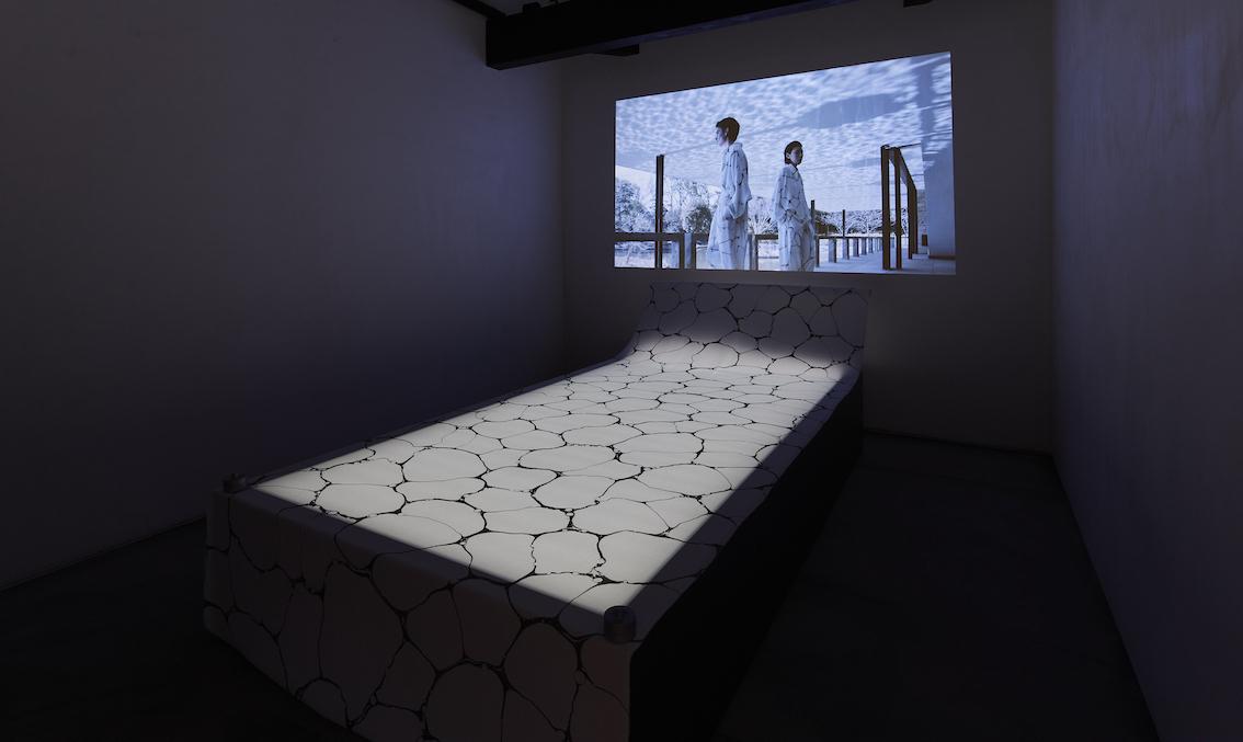 ISSEY MIYAKE KURA展「墨流し」開催