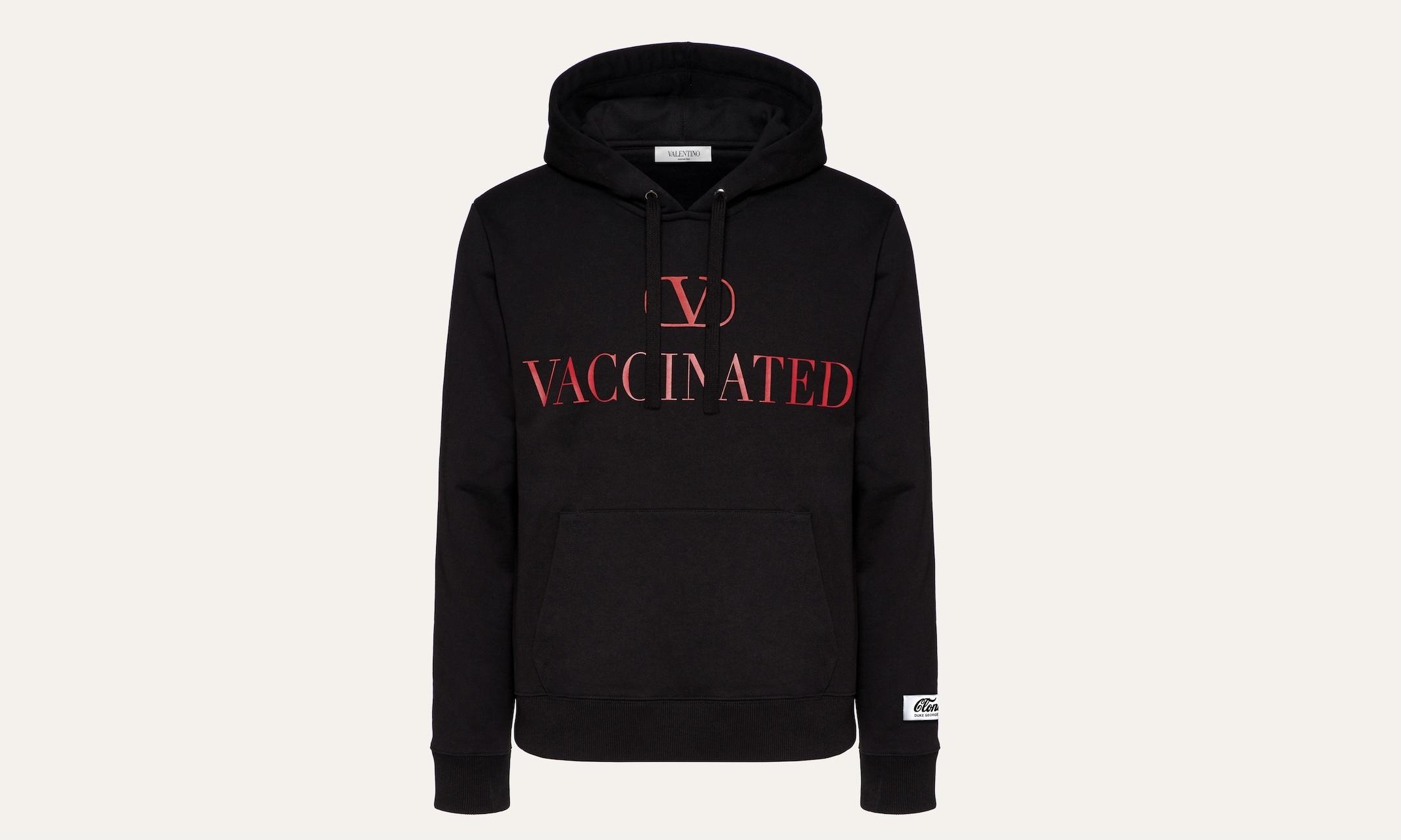 ヴァレンティノ、VACCINATED(ワクチン接種済み)パーカーを限定発売へ