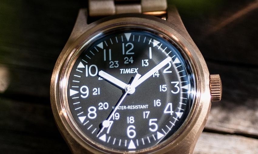 BEAMS、コッパーカラーの別注TIMEX発売